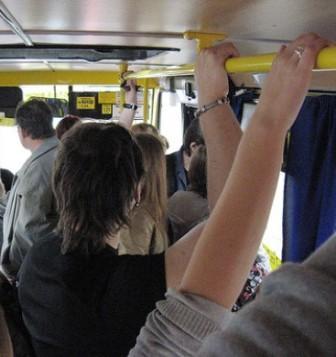 Пассажиры в симферопольской маршрутке