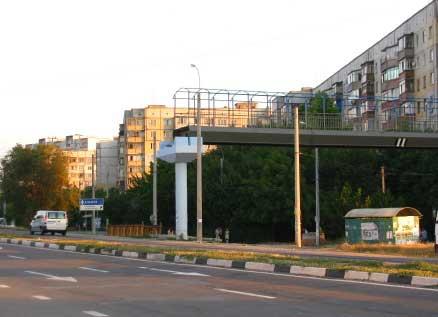 Строительство пешеходного перехода возле гипермаркета FM