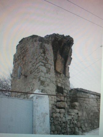 Руины крепости в Феодосии