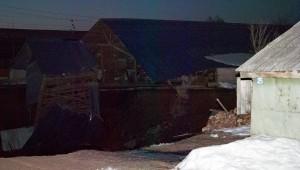 Обвал грунта спровоцировал разрушение трех домов