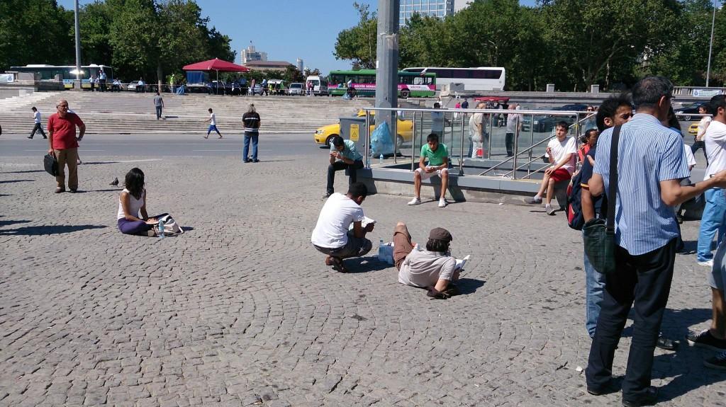 Парк Гези в Стамбуле во время протеста (фото - Осман Пашаев)