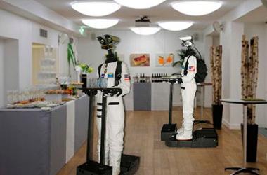 Официант-робот