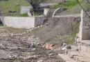 За два месяца до приезда туристов пляжи Керчи завалены мусором