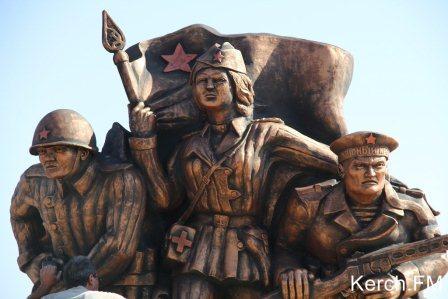 уродливый памятник в Керчи