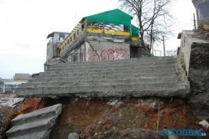 Пляжи Одессы стали напоминать руины