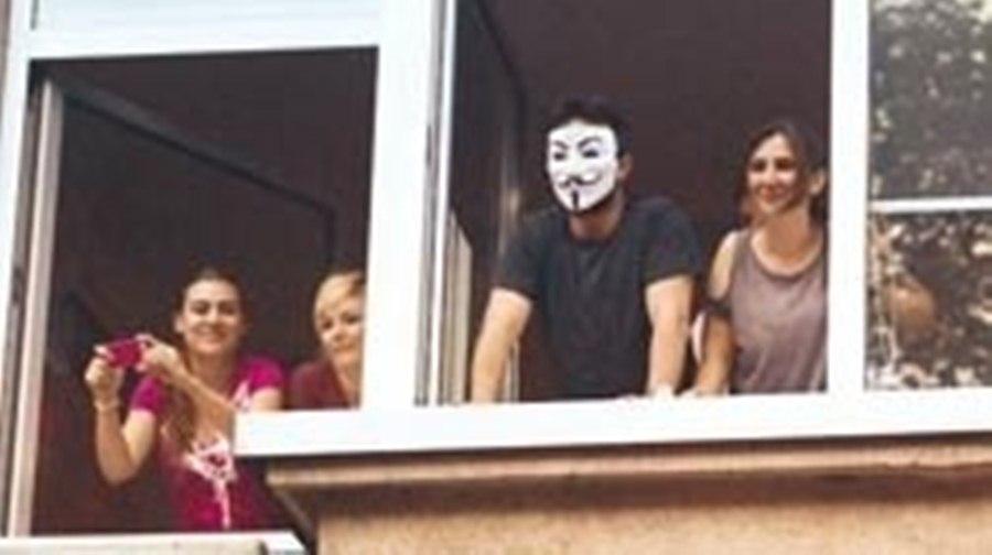 Таркан также присоединился к акциям протеста - фото - hurriyet.com