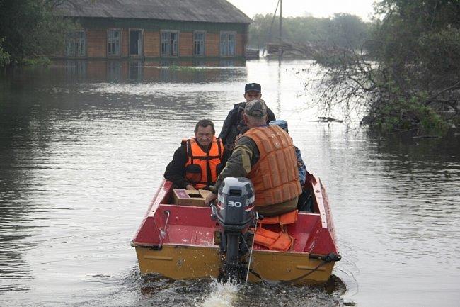 Вода в Хабаровске достигает критической отметки