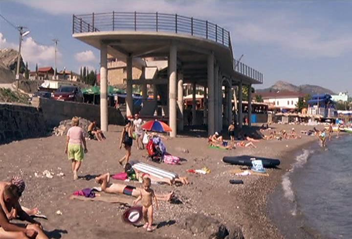 стройка на пляже «Восток»
