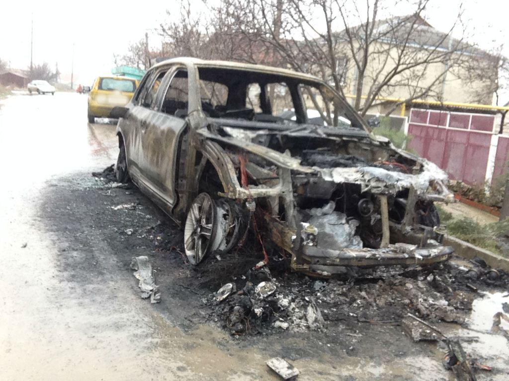 burned car VW Touareg